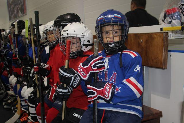Из детсада – на коньки. В каком возрасте лучше отдавать ребёнка на хоккей