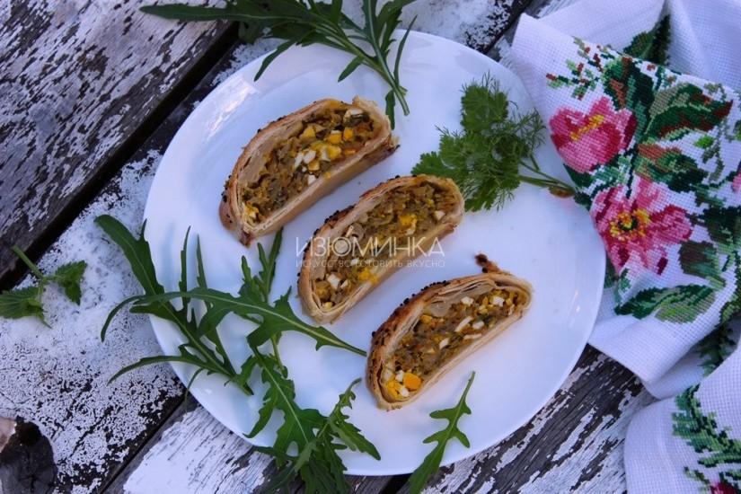 Пирог с капустой из слоеного теста: рецепт с фото
