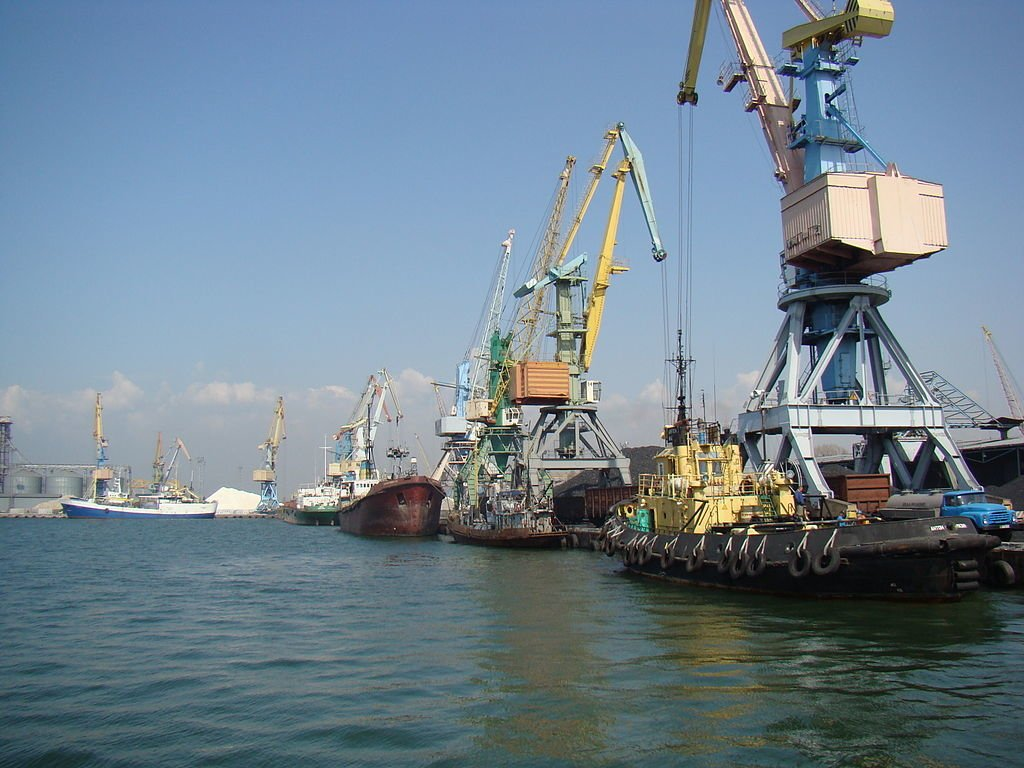Украинские моряки пойдут по миру: меры РФ в Азове подействовали