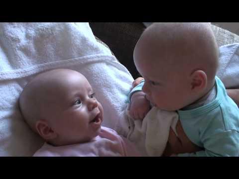 20 000 000 просмотров: этот уморительный разговор двух младенцев покорил Интернет