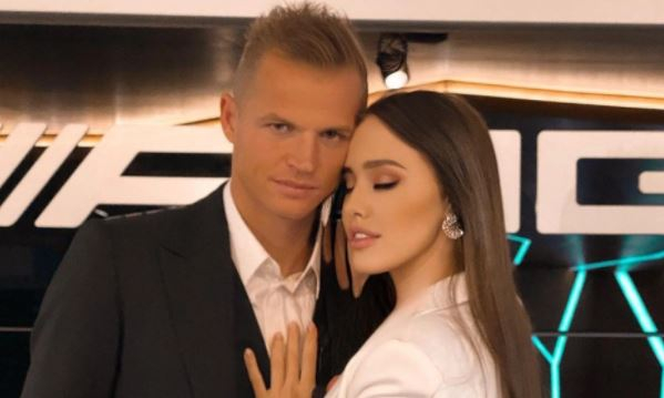 Беременная в третий раз Костенко пожаловалась на тяжесть и усталость Шоу бизнес