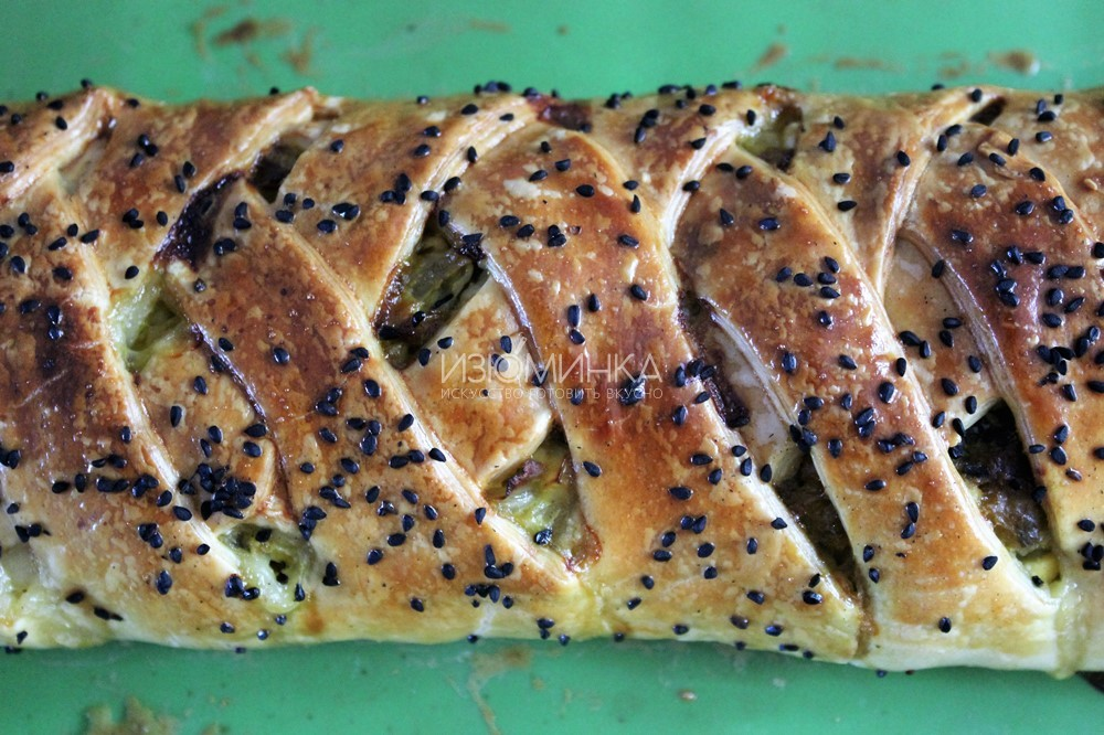 пирог с капустой со слоеным тестом
