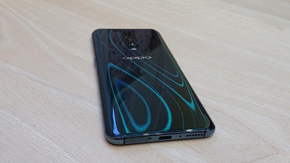 Смартфон Oppo RX17 стал рекордсменом по скорости зарядки