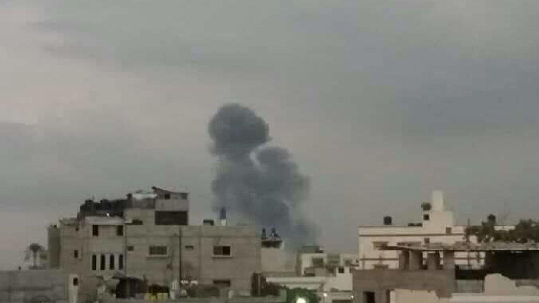 Израильские ВВС разбомбили пустое здание гостиницы в секторе Газа