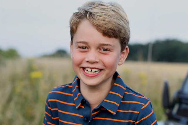 Кейт Миддлтон и принц Уильям поделились новой фотографией принца Джорджа в честь его дня рождения