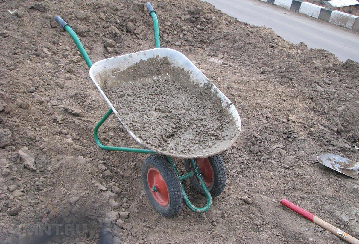 сколько в кубе песка тачек