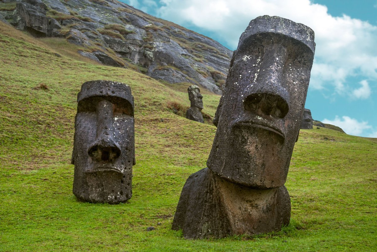 Ученые утверждают, что раскрыли секрет статуй острова Пасхи - вода где-то рядом!