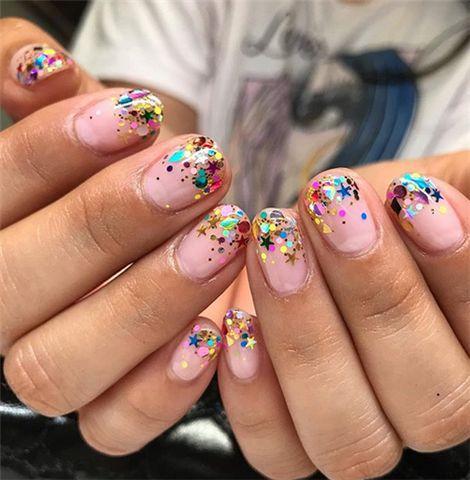 Новогодний маникюр 2020 на короткие ногти: идеи с фото красота,маникюр,мода и красота
