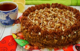 Киевский торт с шоколадно-ореховой начинкой!