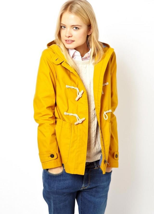 Желтая куртка