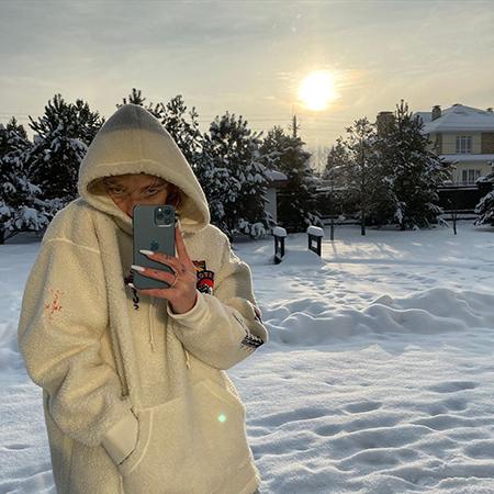 Звездный Instagram: снежные вершины, пляжные фотосессии и отголоски прошедших праздников Хроника