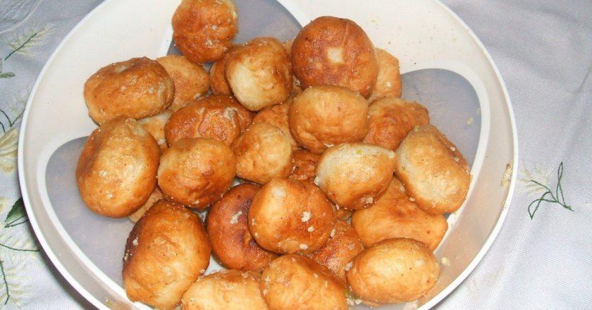 Вкуснейшие жареные пончики с чесноком