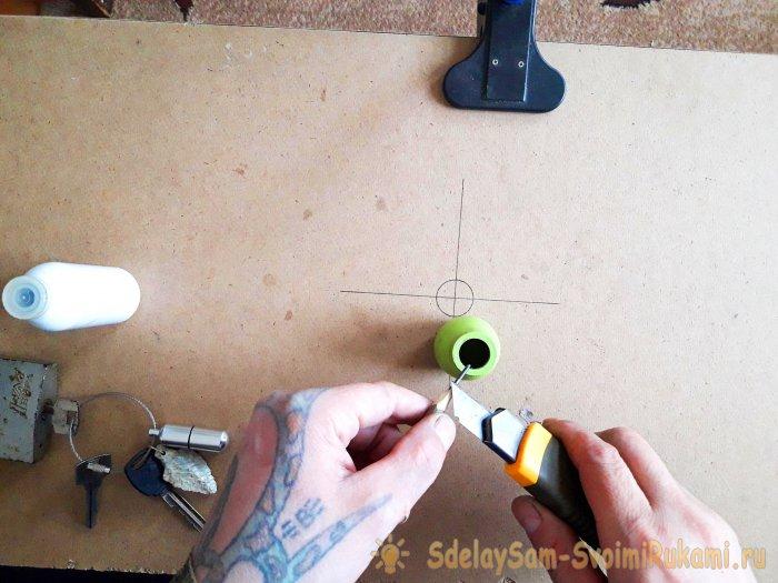 Как смазать замок простым карандашом мужские самоделки,своими руками,смазываем замок
