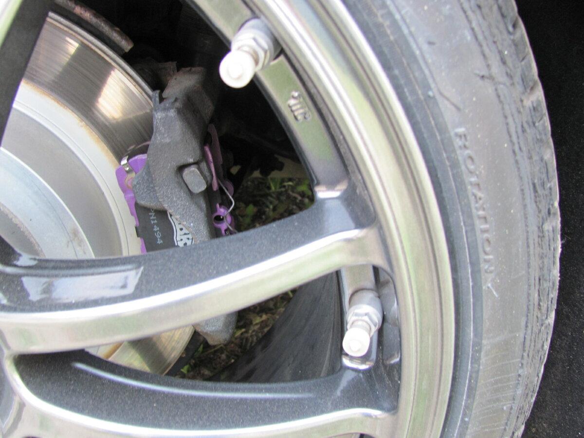 Смена тормозных колодок: как часто это надо делать