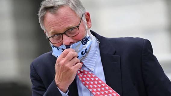 Министерство юстиции не будет выдвигать обвинения против сенатора Ричарда Бёрра из-за продажи акций в начале пандемии