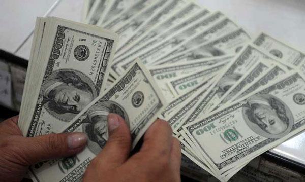 Сбербанк повысил ставки по вкладам в долларах