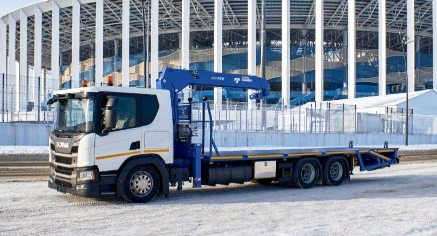 На шасси Scania построили новый эвакуатор для транспортировки спецтехники Автомобили