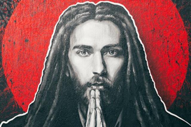 Граффити, последний клип и слова отца: как поклонники и близкие прощаются с Децлом