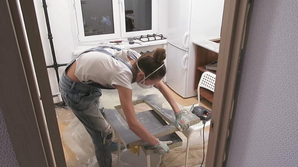Девушка сама сделала ремонт кухни 5 кв. м. совсем за недорого чёрный, кухни, сделать, ремонта, краской, покрасила, девушка, очень, столешницу, ремонт, новую, место, вернула, сделала, решила, дверцы, купила, чёрную, кухня, такой