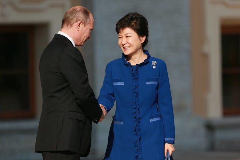экс-Президент Южной Кореи Пак Кын Хе взятка, имхо, казнокрады, коррупция, оценочное мнение