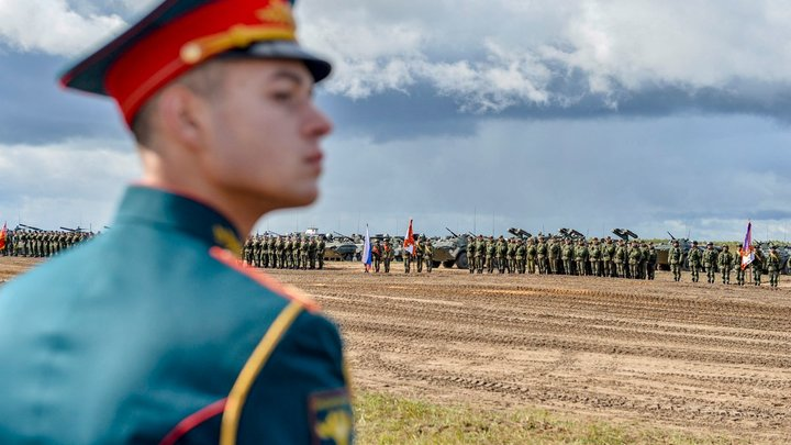 Вернуть русской армии чувство собственного достоинства: методы Шойгу и Шаманова армия,россия