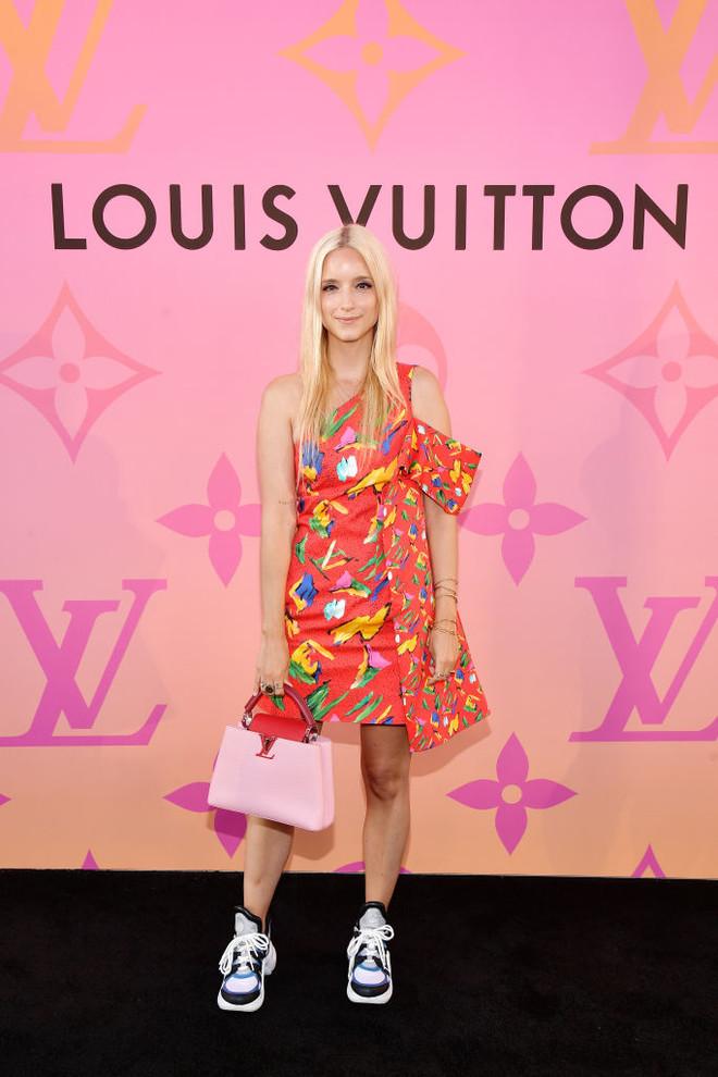 Алисия Викандер, Милли Бобби Браун и другие стильные гости коктейля Louis Vuitton (фото 10)