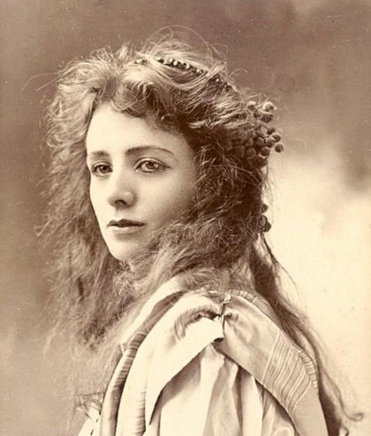 Красивые женщины 19 века фото, днем