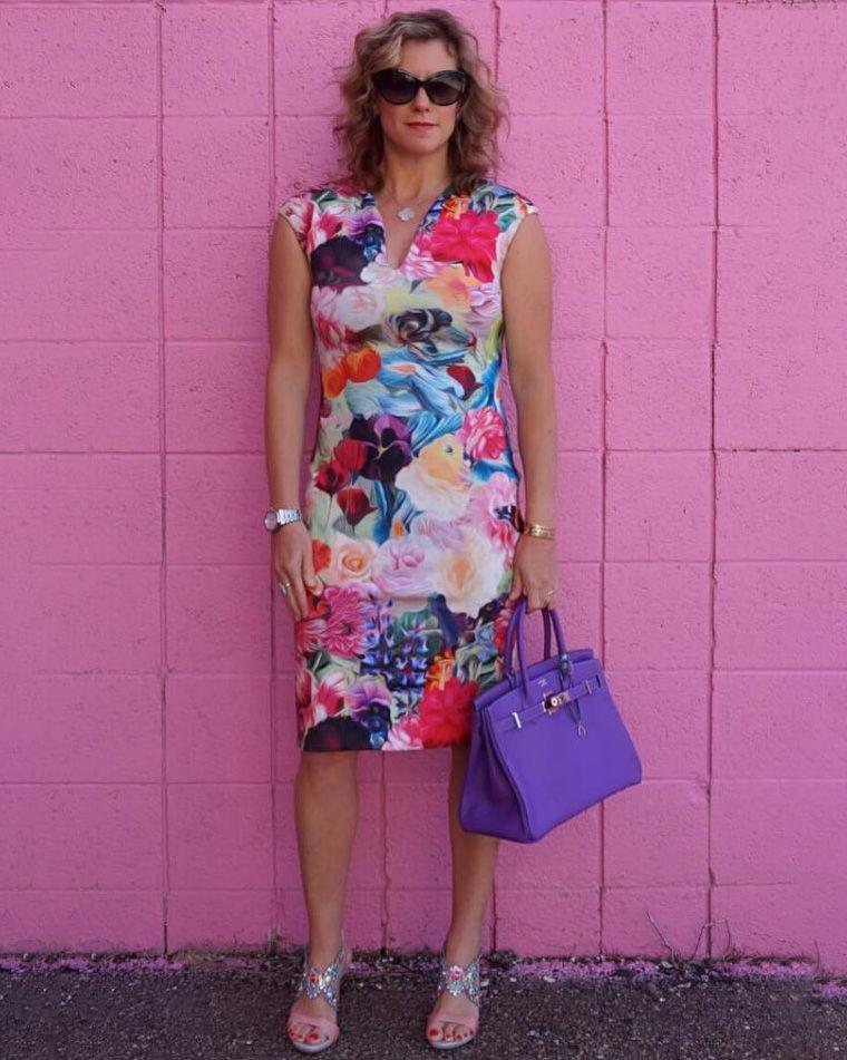 10 летних платьев для женщин 40+: молодят, стройнят и смотрятся круто