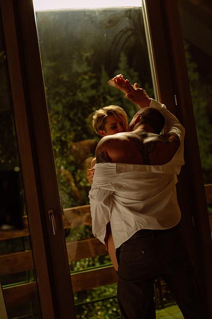 """Павел Прилучный и Дарья Мельникова рассказали о совместных постельных сценах: """"Разделись, голенькими постояли"""" Новости"""