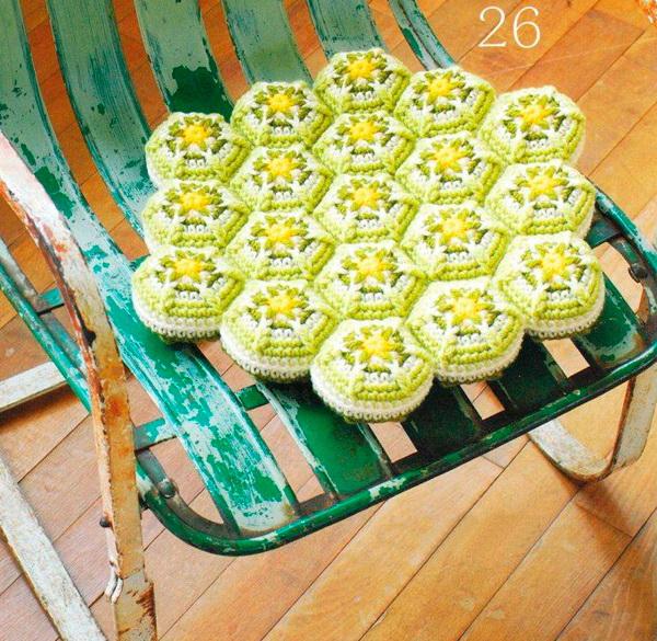 Нарядные подушки-сидушки и коврики на сидения своими руками вязание