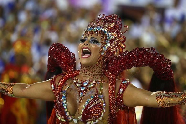 Королева барабанов школы - Вивиан Араухо бразилия, в мире, карнавал, события, фото, фотоотчет, фоторепортаж