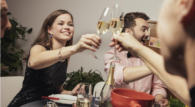 Как избежать запоев на праздниках: 4 правила от эксперта алкоголь,жизнь,здоровье,праздники,психология