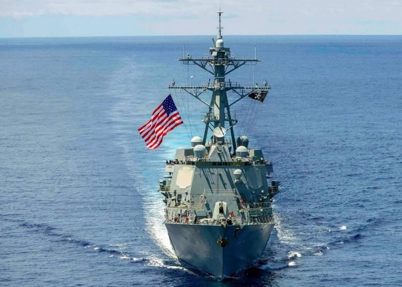Китай жестко ответил американцам и не пустил их корабли в Гонконг
