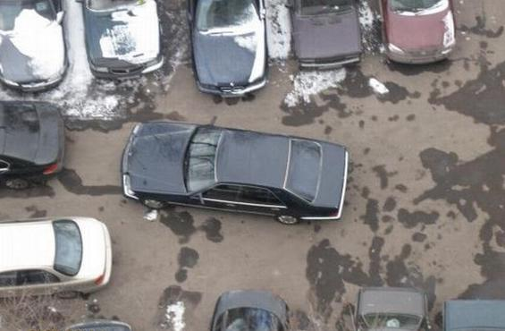 парковка во дворе многоквартирного дома