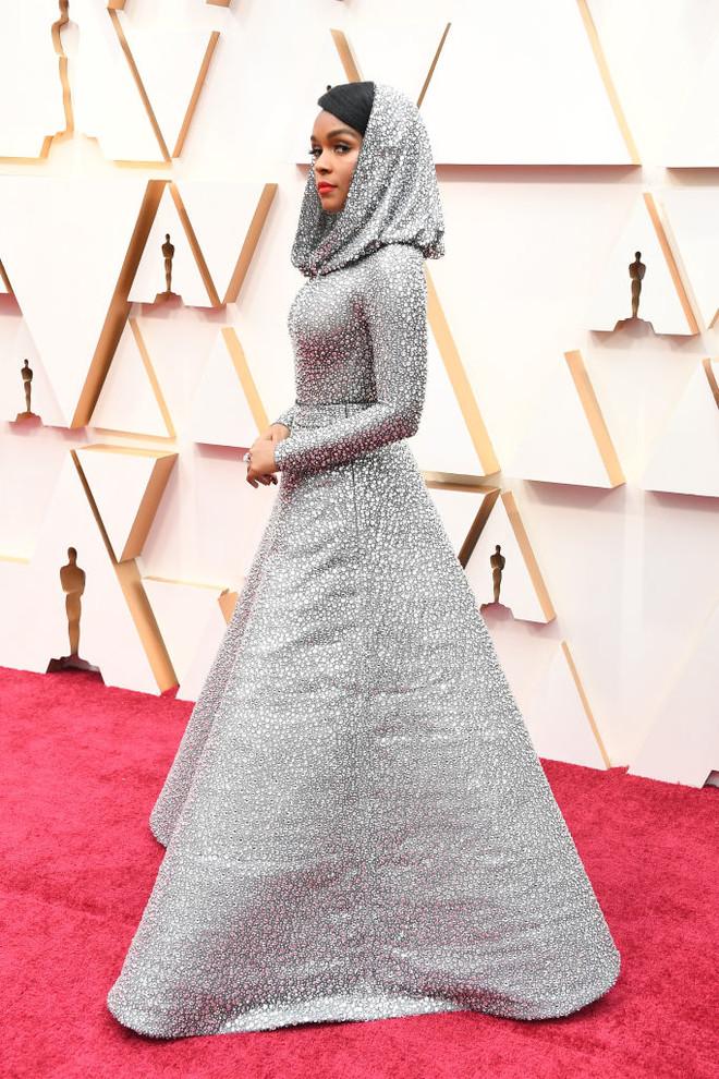 12 лучших платьев «Оскара-2020» (фото 8)