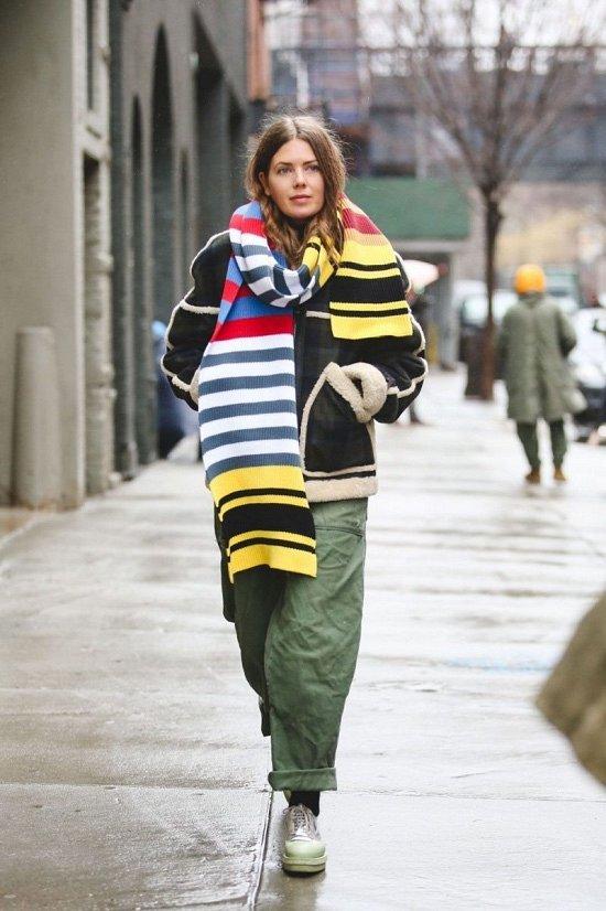 35 идей, как носить шарф в этом сезоне фото №16