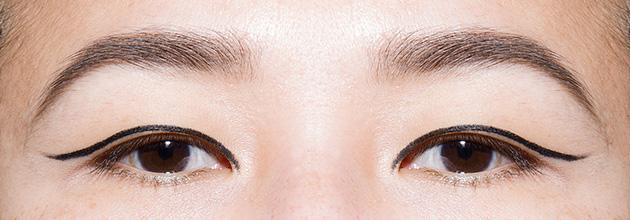 рисуем идеальные стрелки на глазах фото
