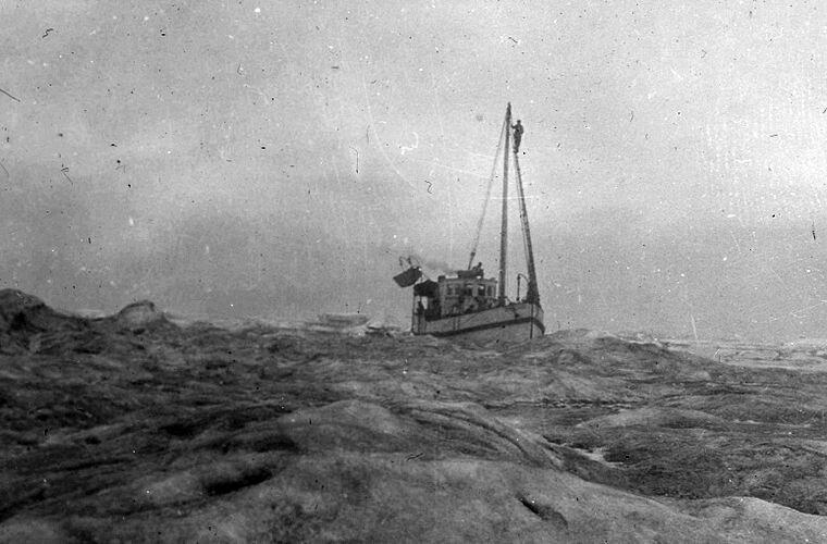 Здесь и далее: спасательная шхуна «Дональдсон» на пути к острову Врангеля. Начало августа 1923 года Ада Блэкджек, арктика, интересно, история, познавательно, факты