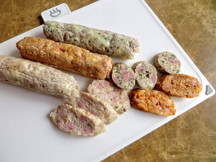 Сосиски из индейки ,из курицы с сыром и ветчиной в оболочке из Пергамента