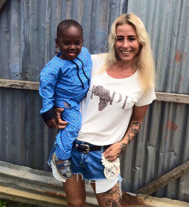 """Мальчик и """"Спасительница"""" спустя год дети, доброта спасет мир"""
