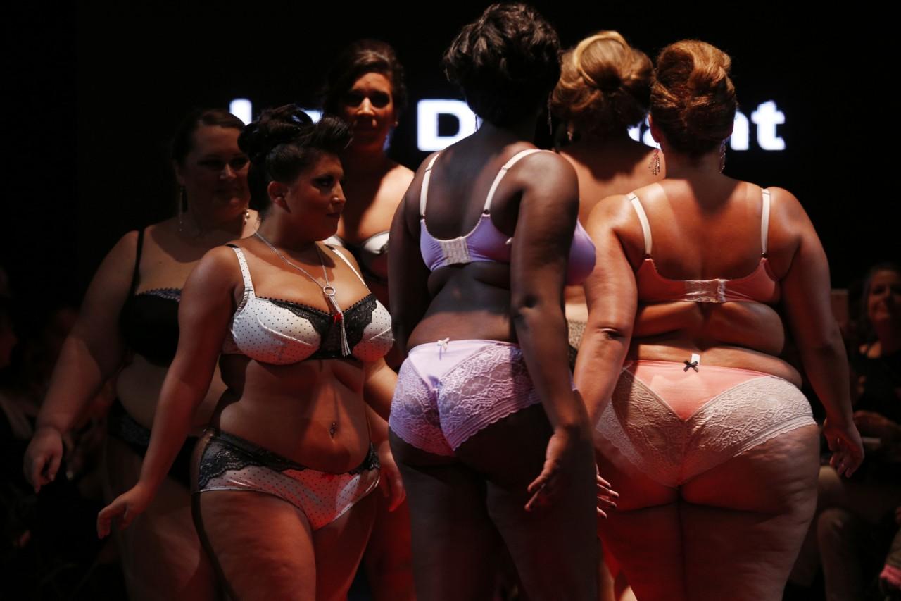 Дать рот показ сексуальных полных дам мода видео видео пародии