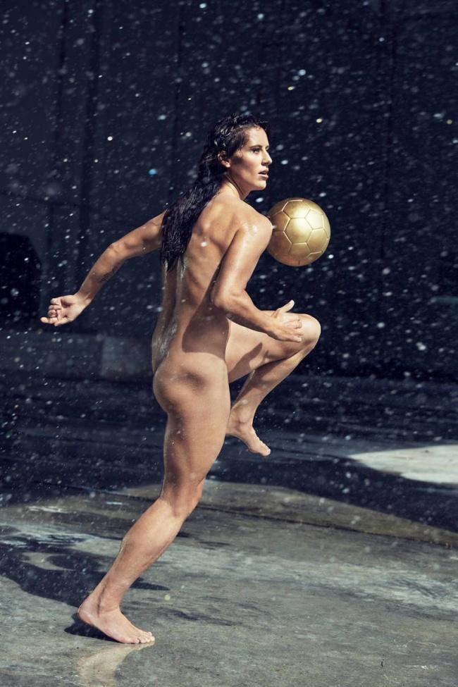 zhenshini-i-sport-erotika-foto-zhenskoe-litso-zrelih-v-sperme