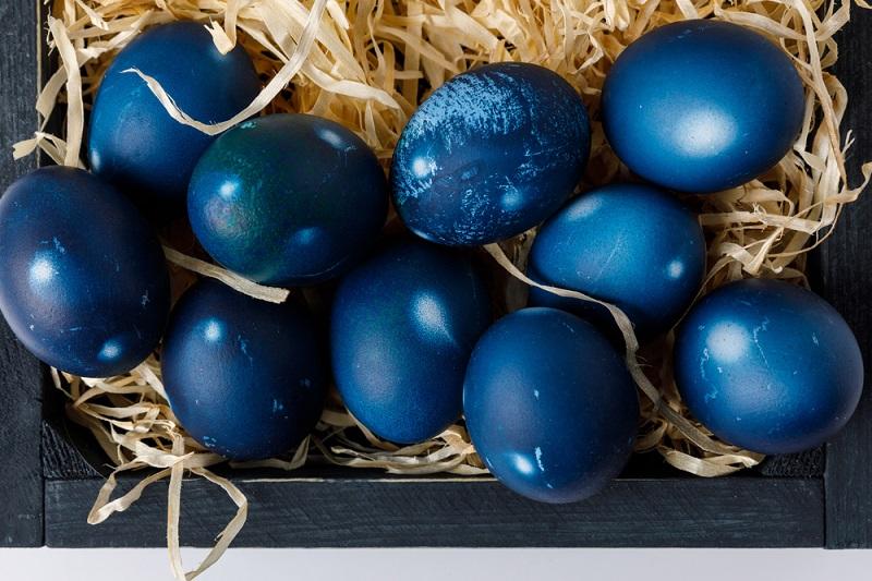 А вы пробовали красить яйца чаем каркаде? советы