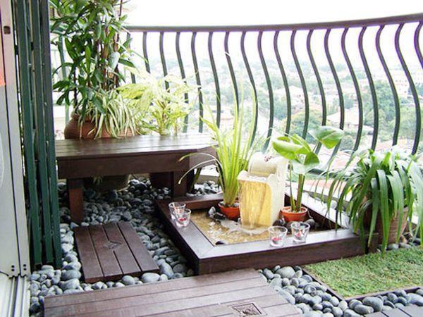 Балкон с фонтанчиком