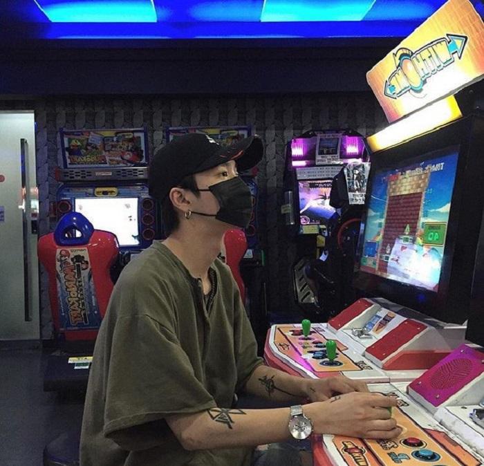 Не верьте всему, что видите в Сети: парень познакомился в онлайн-игре с девушкой, которая ему очень понравилась, но реальная встреча его отрезвила