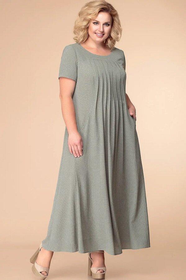 Летнее платье максимальной длины с красивыми складками в центральной части