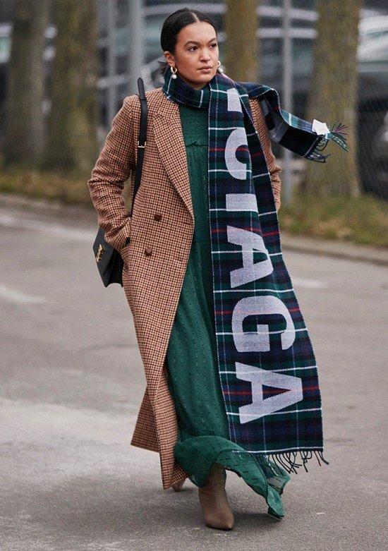 35 идей, как носить шарф в этом сезоне фото №12