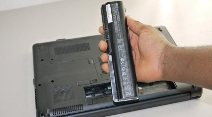 Надо ли отключать батарею ноутбука, если работаешь от розетки? гаджеты,мир,ноутбуки,технологии