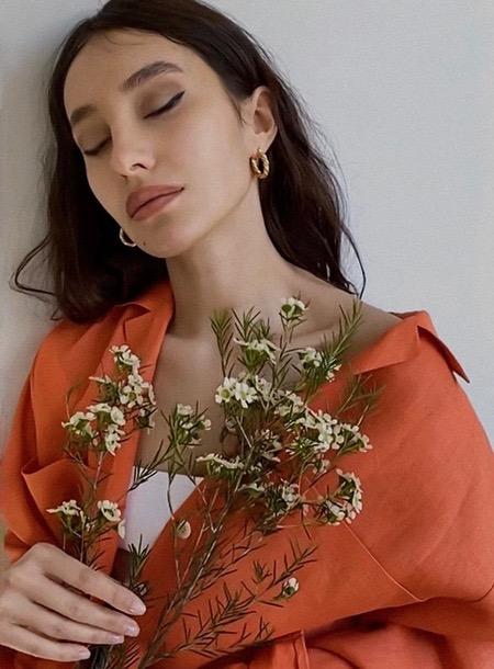 В комнате с Дарьей Мороз, в FaceTime с Катей Боти: лукбуки новых коллекций российских дизайнеров Мода,Новости моды