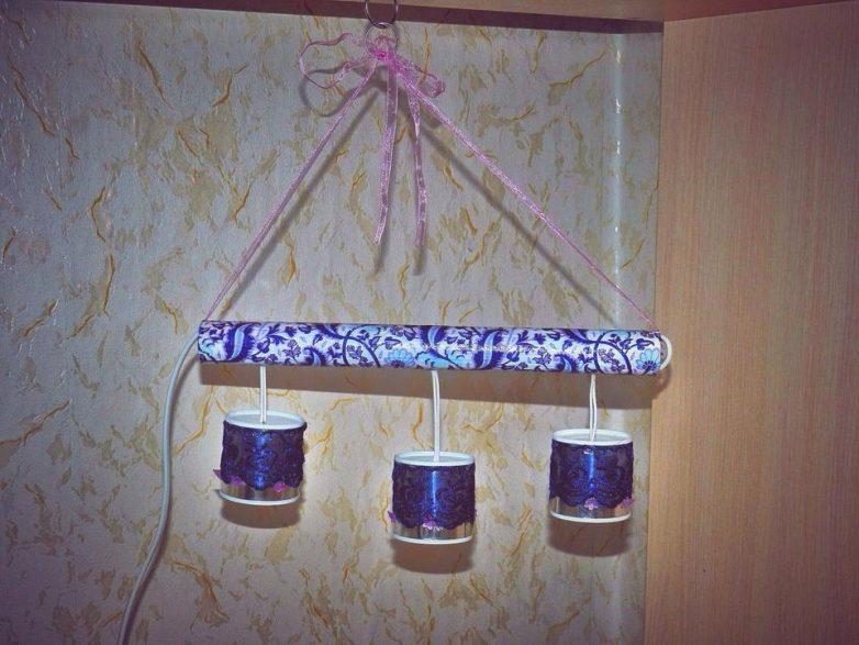 Красивый светильник из металлических баночек